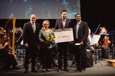 Novoročním koncertem pro dobrou věc: Bosch v Jihlavě uspořádal benefiční Novoroční koncert ve stylu Vídeňských filharmoniků a filmových muzikálů