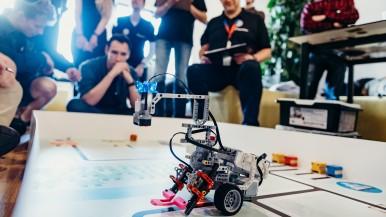Přes tři desítky studentů se zúčastnily třetího ročníku Mechathonu pořádaného za podpory společnosti Bosch