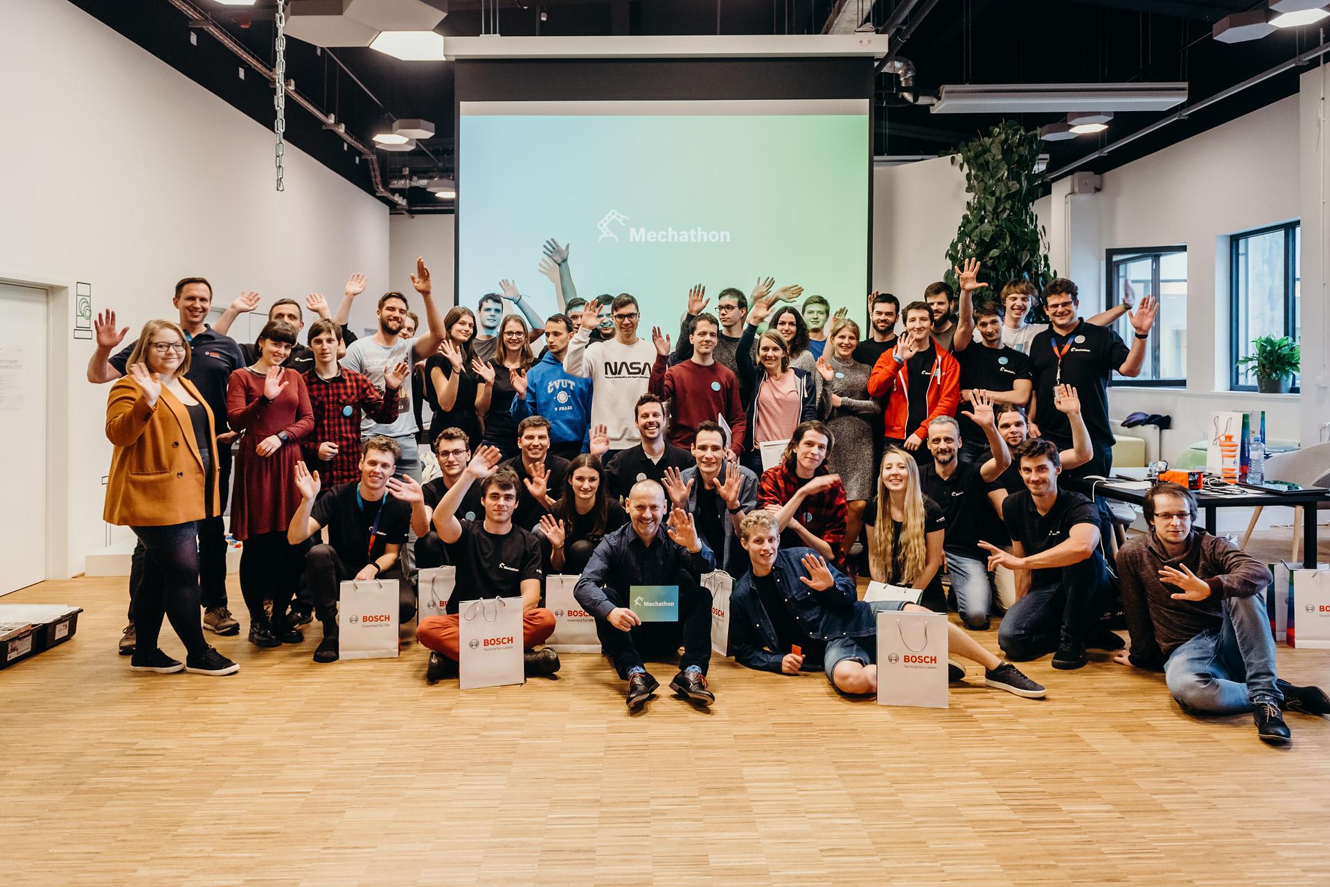 Společné foto všech účastníků.