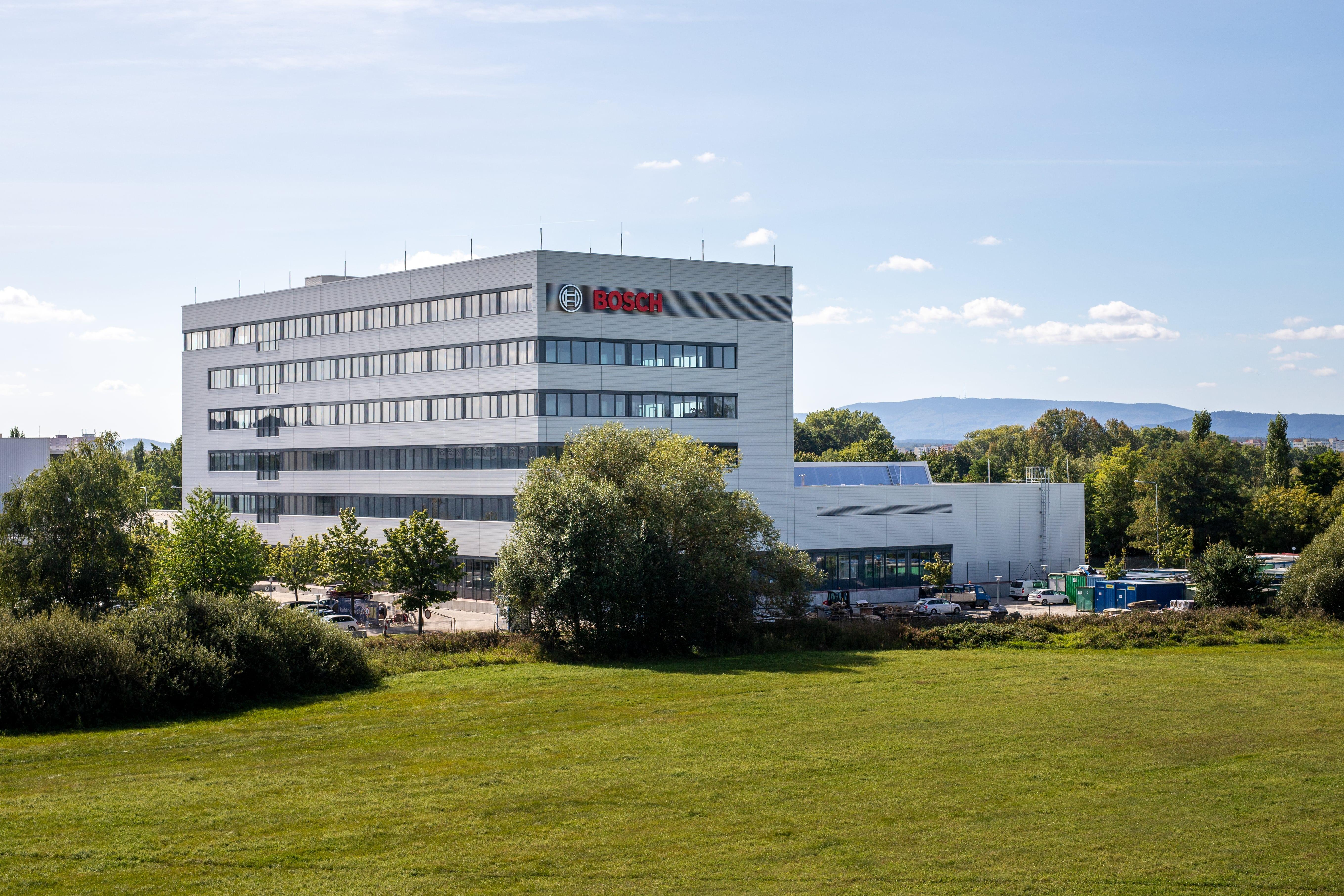 Nová budova vývojového a technologického centra v Českých Budějovicích