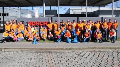 """Začala akce """"Čistá Vysočina"""" - ani letos při ní nechyběli zaměstnanci Bosch Diesel s.r.o. Jihlava"""