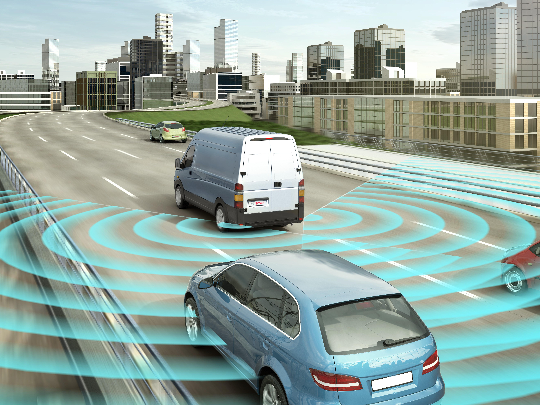 Verze radarového senzoru středního dosahu nainstalovaná na zádi vozidla