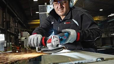 Systém najľahšej výmeny príslušenstva pre uhlové brúsky: X-LOCK – svetová novinka od Bosch Professional