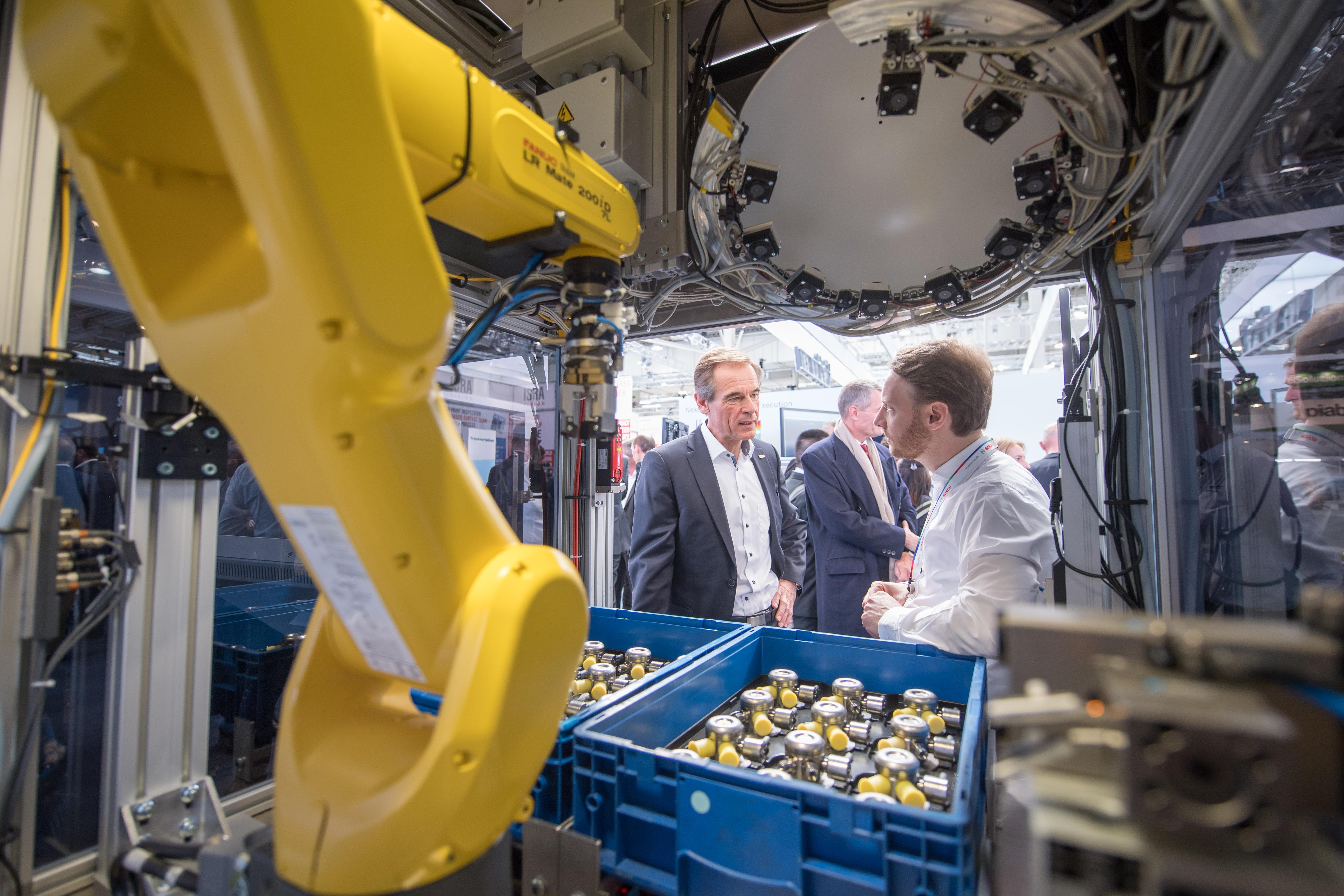 Na veľtrhu Hannover Messe 2019 prezentuje Bosch svoj vlastný výskumný projekt: Optická detekcia chýb založená na AI