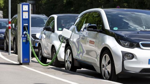 Bosch prodlužuje životnost baterií do elektromobilů