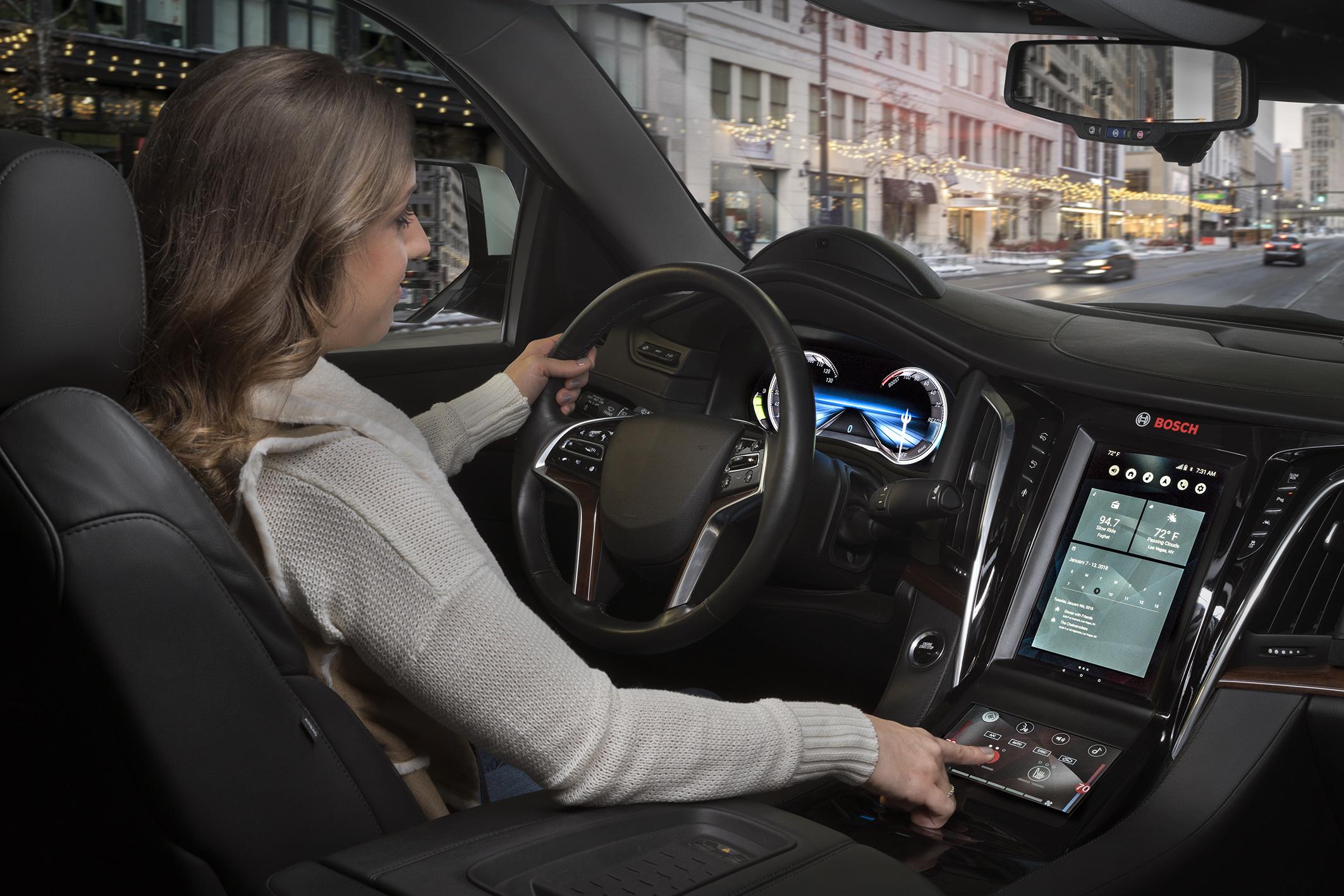 Digitální displeje a hlasový asistenti způsobují revoluci v jízdě