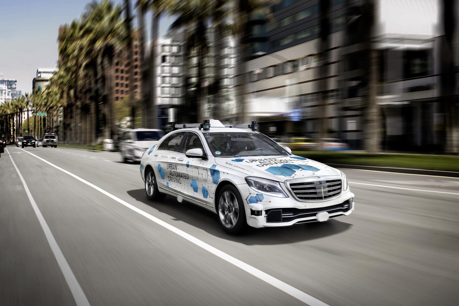 Udržitelná mobilita: Bosch a Daimler nabízejí automatizované řízení vozidel