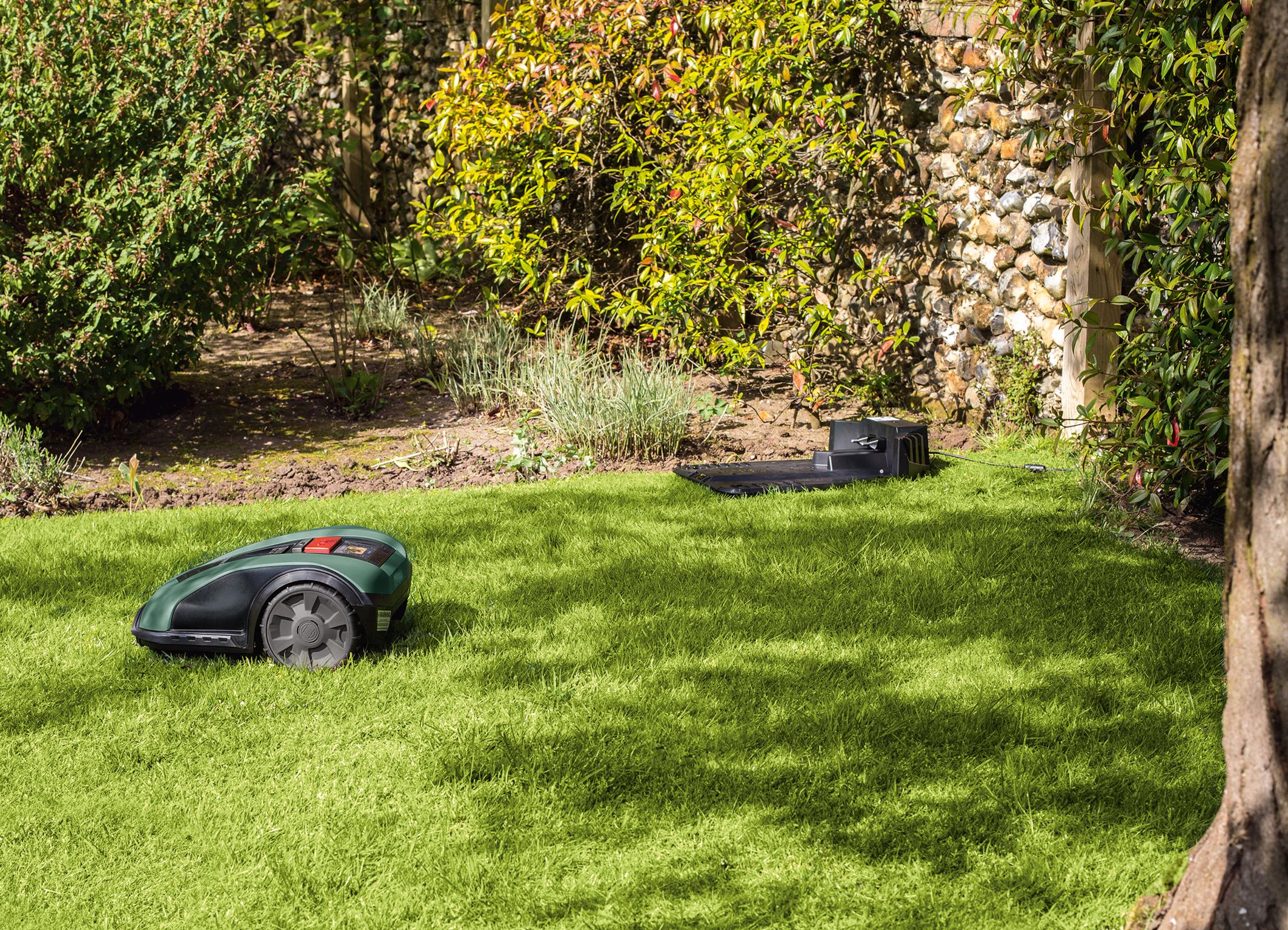 Vysoká přidaná hodnota pro uživatele díky přesnému měření plochy trávníku: Robotické sekačky Bosch Indego M 700 a Indego M+ 700