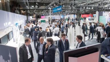 Propojená vozidla, domy, továrny:  Chytrá řešení od společnosti Bosch usnadňují každodenní život