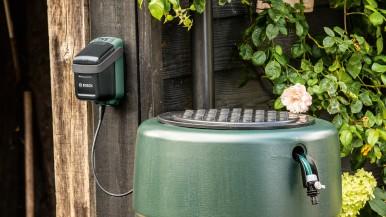 """Rozšírenie 18 voltového systému """"Power for All"""": Bosch GardenPump 18 a AdvancedGrind 18"""