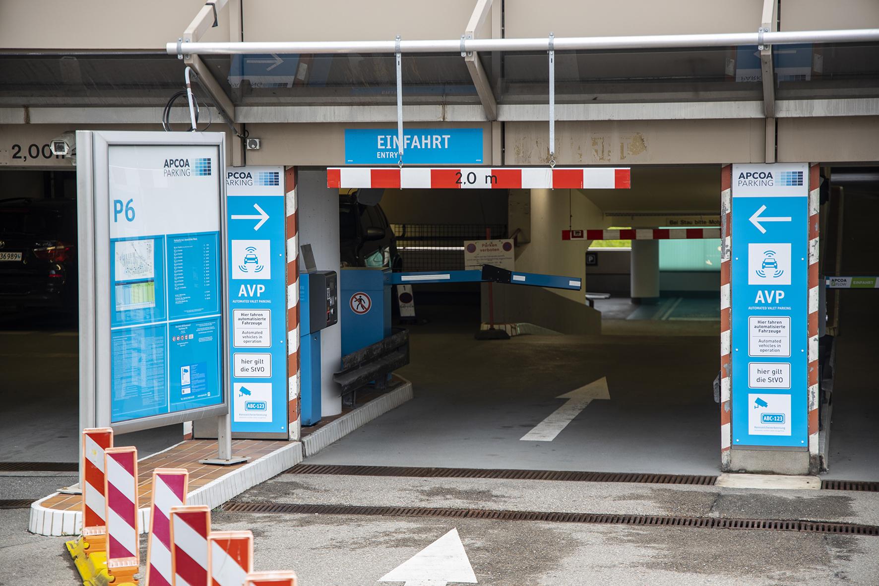 Letiště ve Stuttgartu přivítá plně automatické parkování bez řidiče