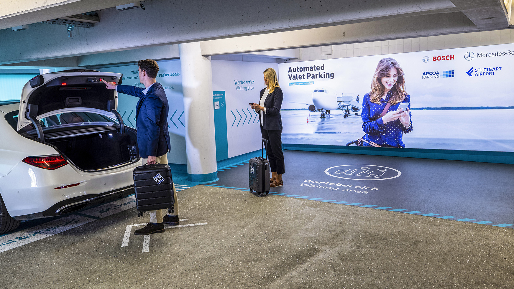 Na letisko v Stuttgarte prichádza plne automatické parkovanie bez vodiča