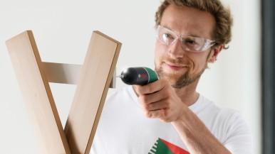 Tradičné farby a o 30 % kratšia doba nabíjania: Akumulátorový skrutkovač IXO Classic je späť Presné skrutkovanie aj do jemných materiálov