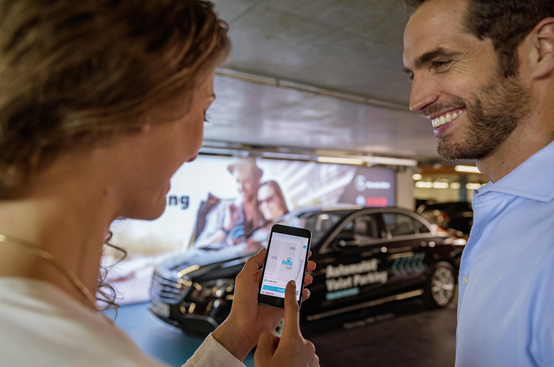 Automatizovaná parkovacia služba založená na smartfóne