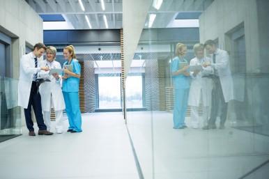 """""""Tutti pronti in sala operatoria: elicottero in arrivo!"""" Ospedali intelligenti g ..."""