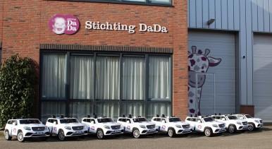 Bosch Car Service schenkt 65 elektrische mini-autootjes aan Stichting DaDa