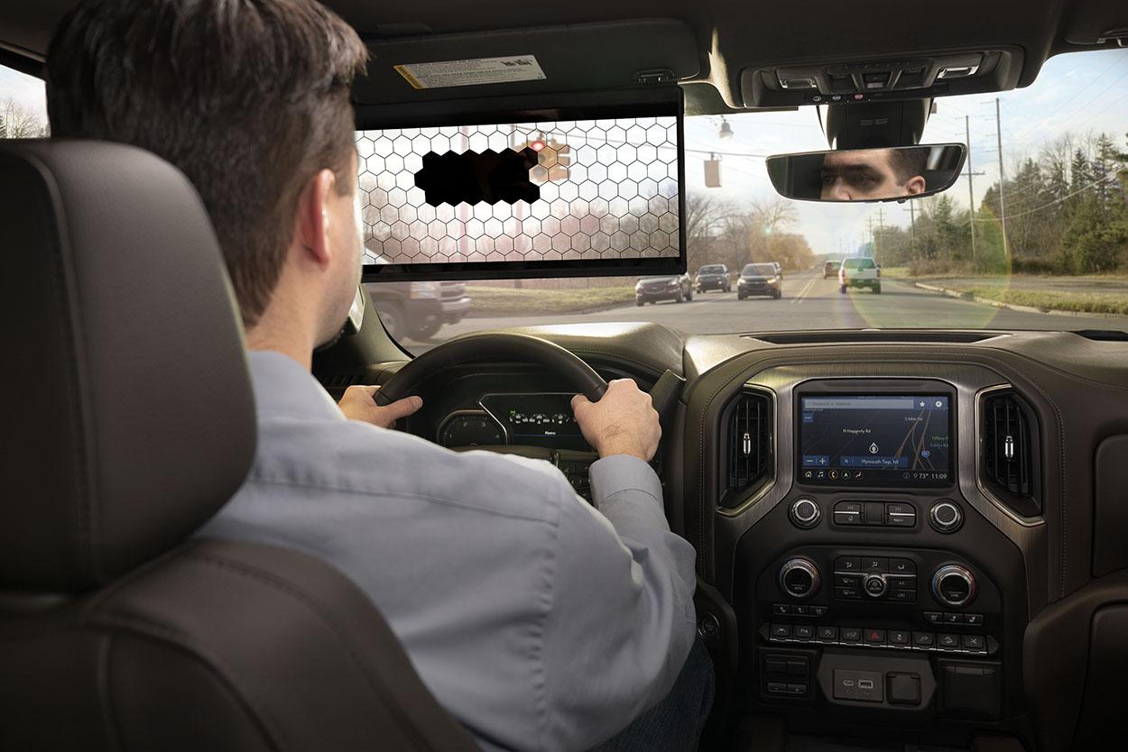 Veilig autorijden begint met een goed zicht: hoe ingenieurs van Bosch de 95 jaar oude zonneklep innoveren