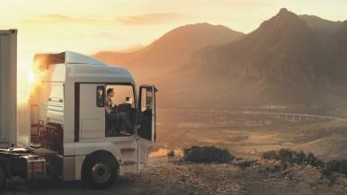 Nieuwe truckaccu van Bosch met AGM-technologie: het antwoord op de specifieke behoeften van langeafstandsverkeer