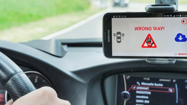 Wrong-way driver Flitsmeister Bosch
