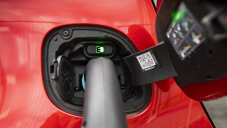 Bosch opracowuje usługi ładowania pojazdów elektrycznychlatorów w pojazdach elektrycznych