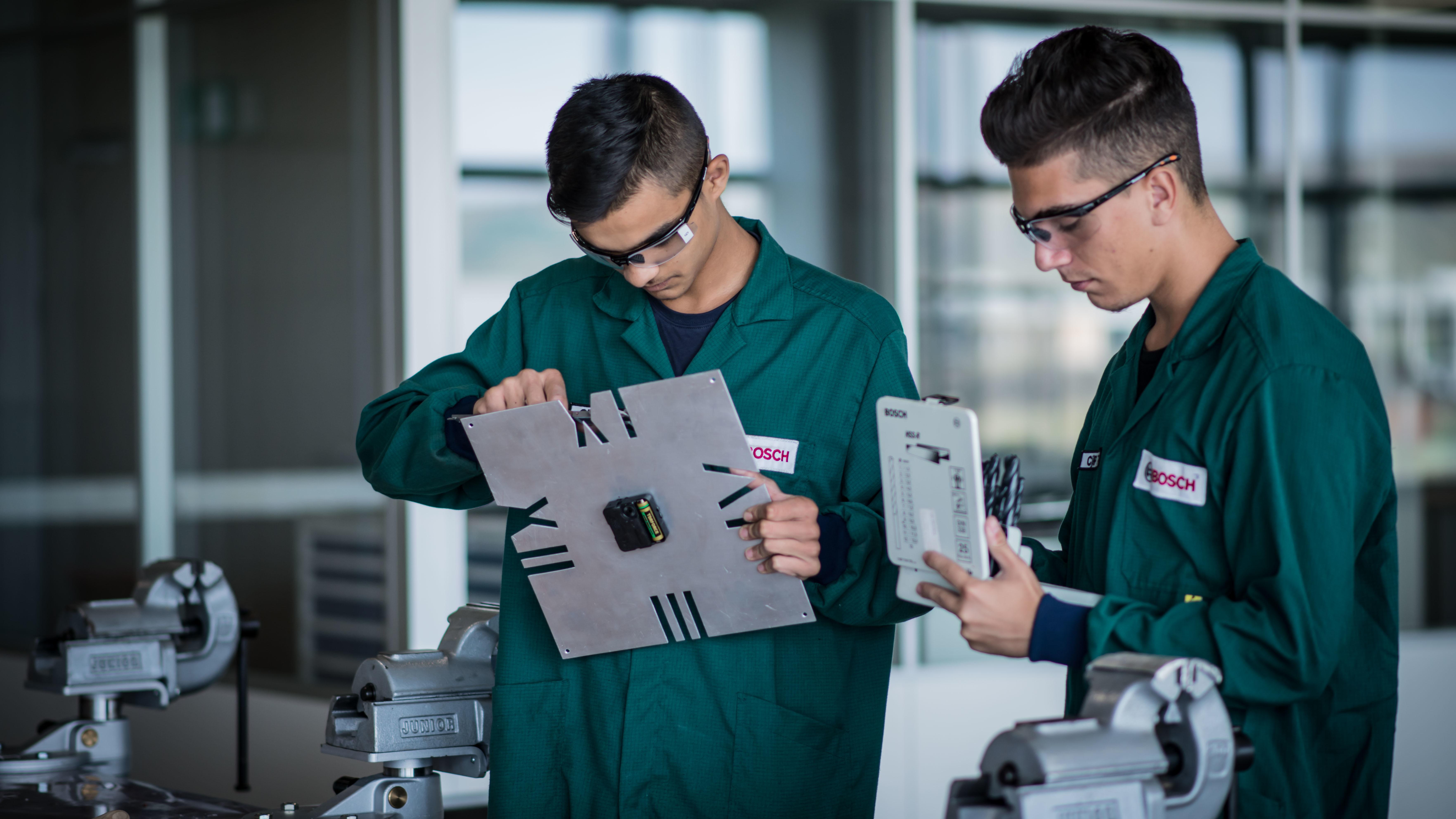 Bosch inaugurează un Centru de Training la Cluj Investiţii pe termen lung în educaţie și pentru dezvoltarea angajaților