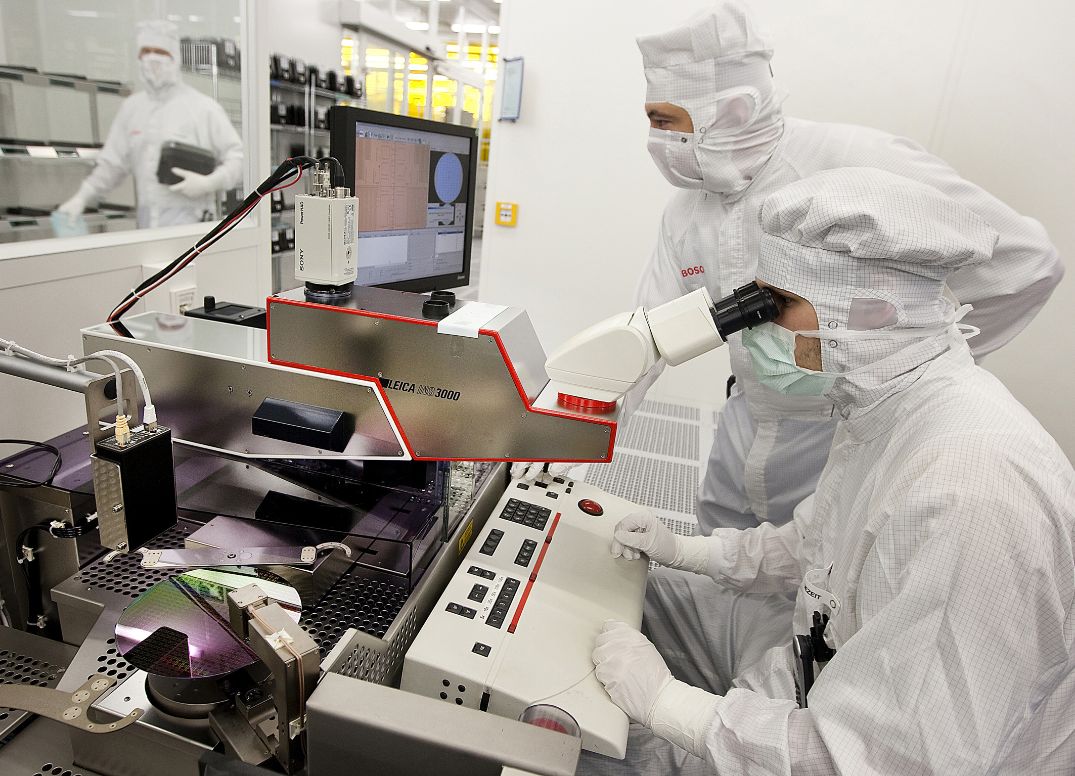 Wafer production in the new Bosch semiconductor fab