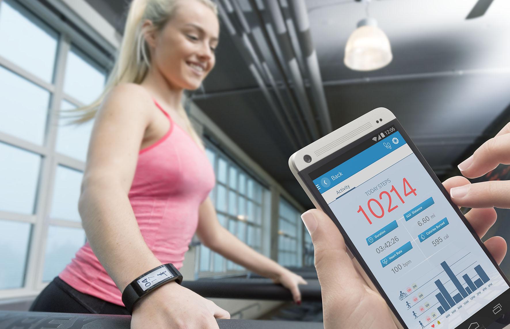 Neue intelligente Beschleunigungssensoren von Bosch Sensortec für künftige Smartphone- und Wearable-Generationen