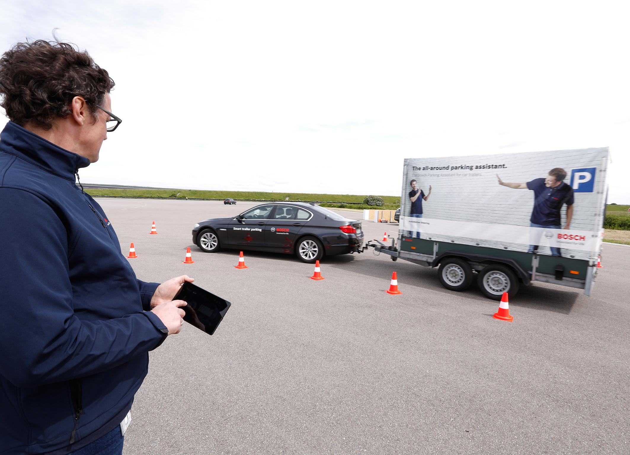Smart trailer parking