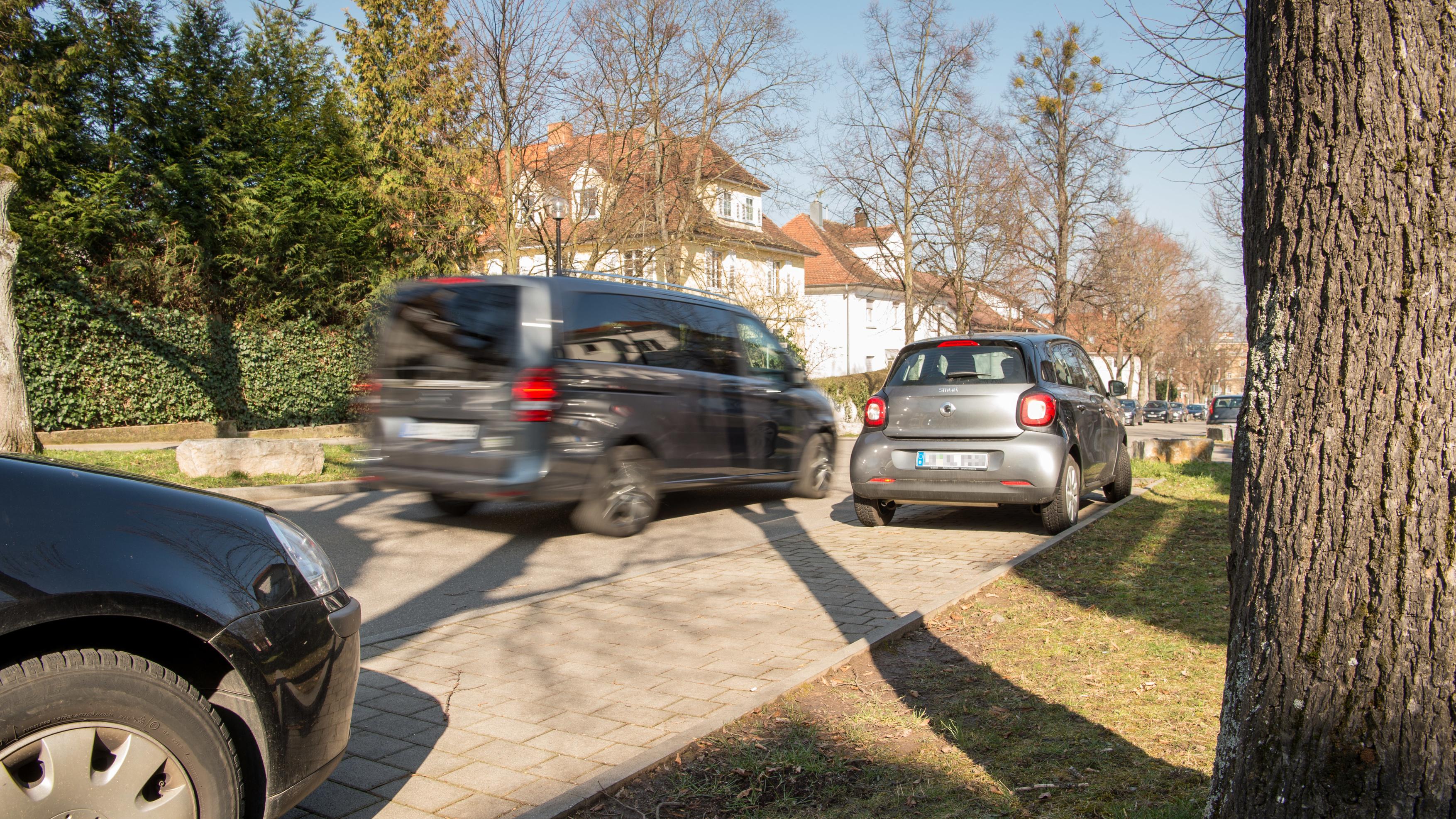 Your Mercedes-Benz as a parking spot locator - Bosch Media Service