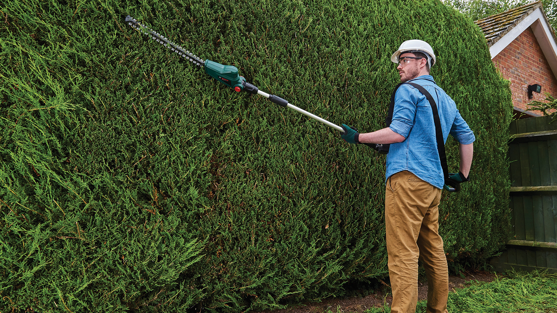 Neu im 18 volt sortiment f r den garten heckenschere und for Gardening tools online in pakistan