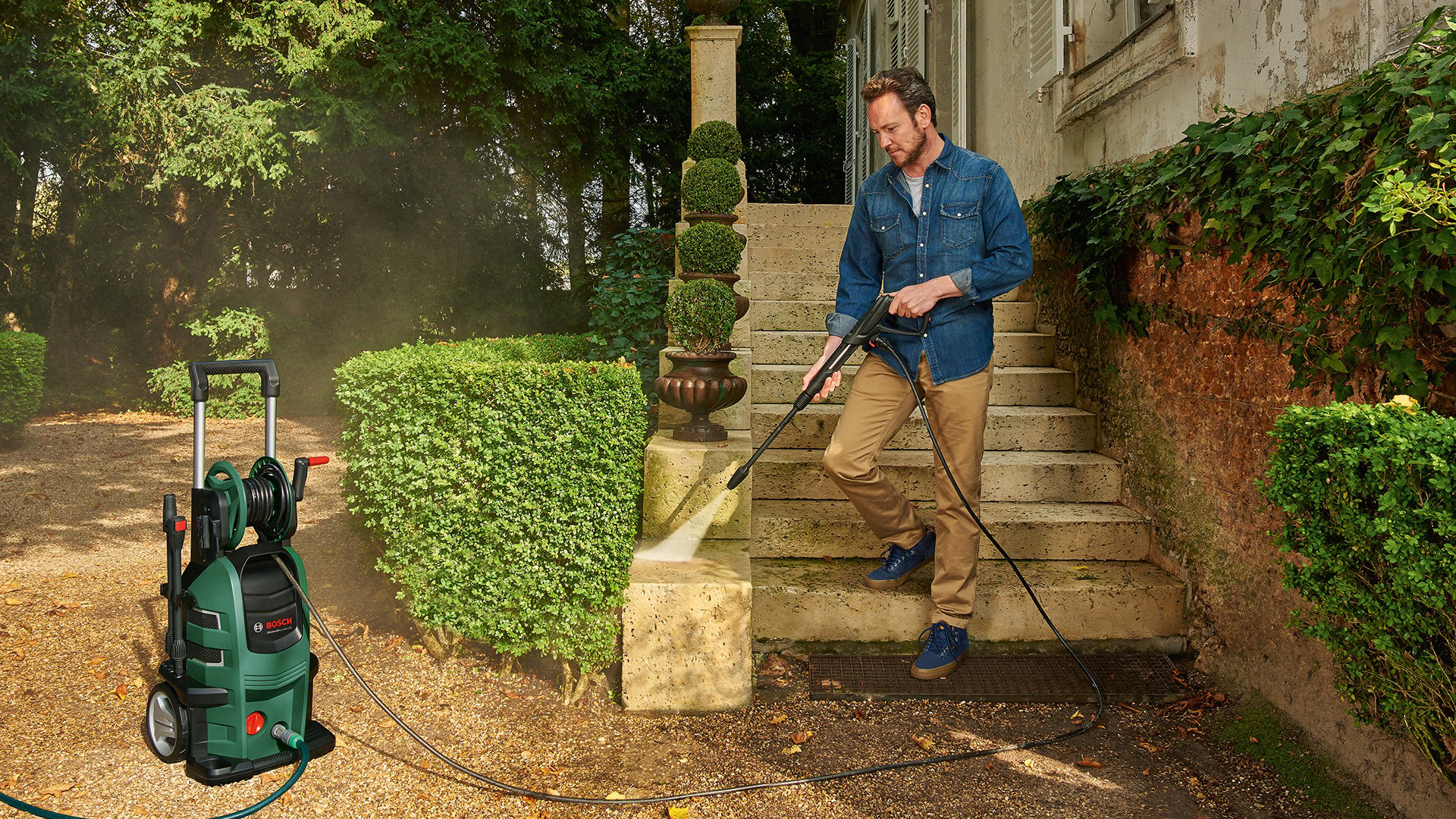 Complete High Pressure Washer System From Bosch Media Service Aquatak Aqt33 11 Will Be Offering A Of Washers For Efficient Cleaning Around The Home And Garden In Addition To Handy Easy Class