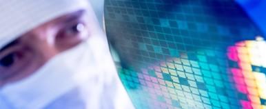 Schlüsseltechnologie für die vernetzte Welt: Halbleiter von Bosch