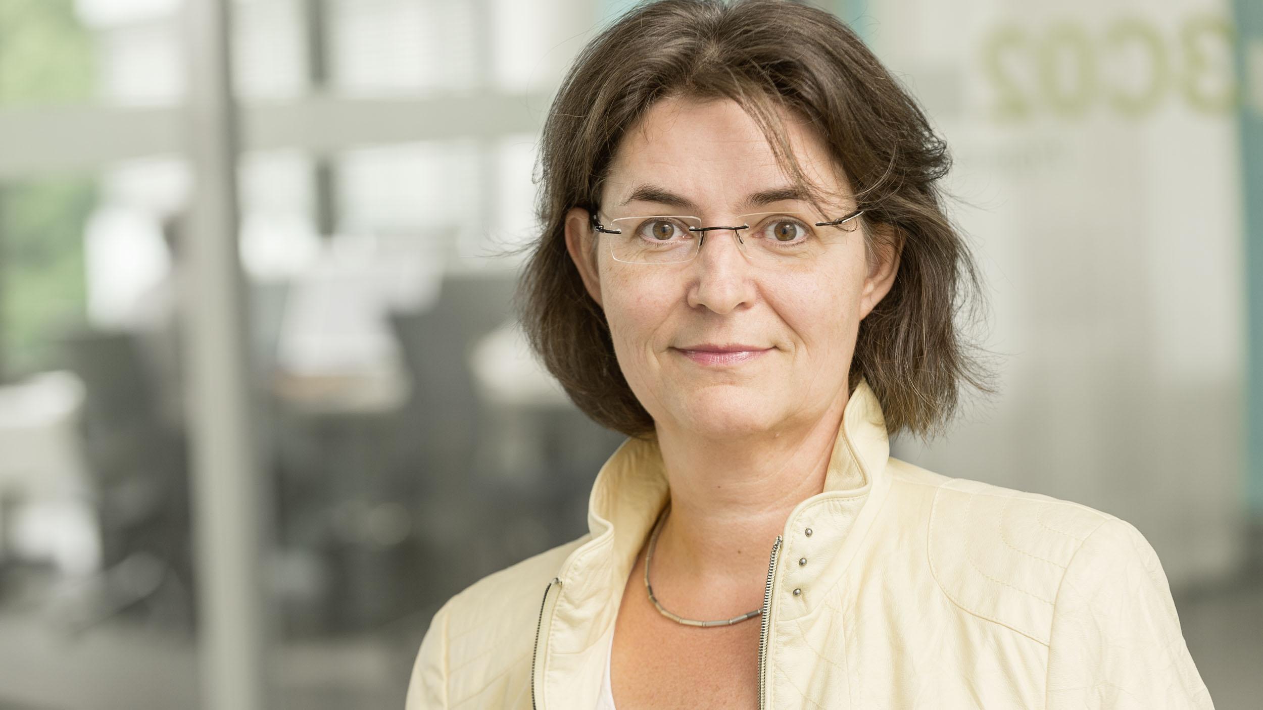Claudia Arnold