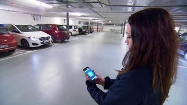 Ohne Fahrer in die Lücke - Vorführung ferngesteuerter Parkassistent
